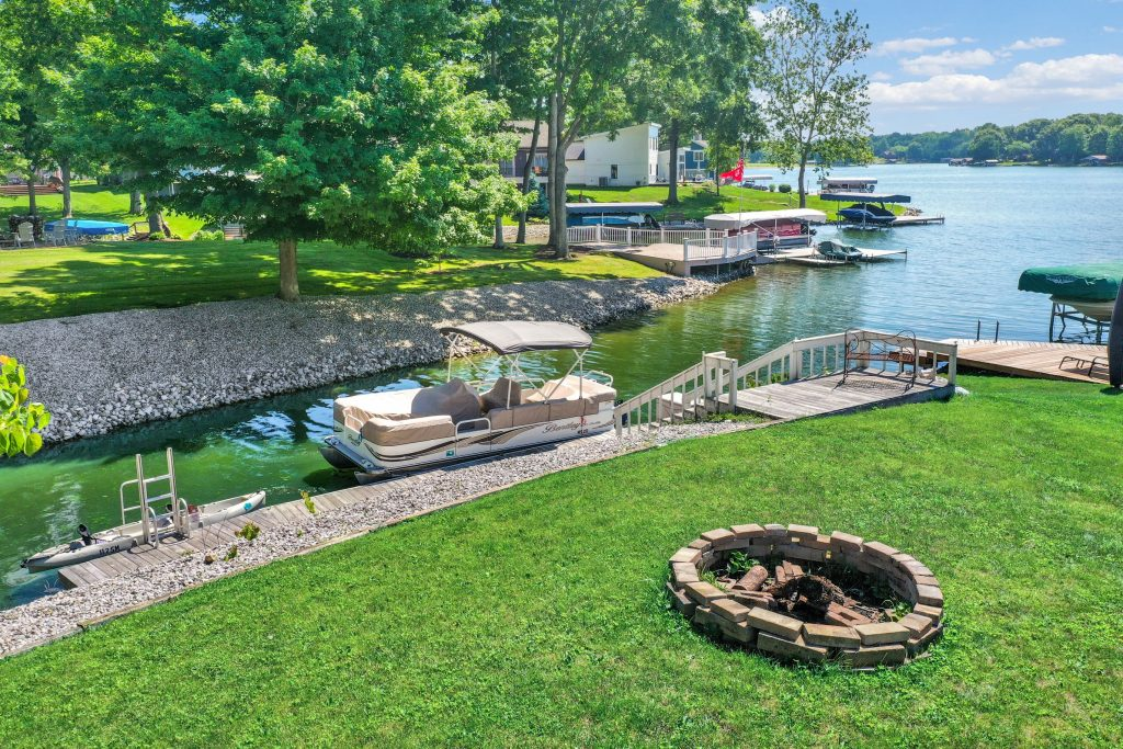One of the best things about this lot is its gentle slope and short distance to the water.